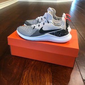 Nike Free TR8 in white/black size 8